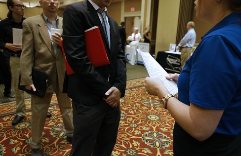 Jobless Claims in U.S. Little Changed as Labor Market Stabilizes