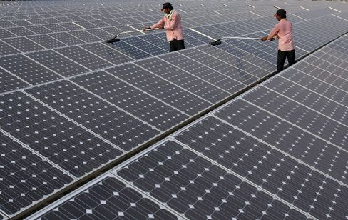 Indian Banks See Highway Toll-Like Cash in Solar