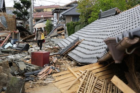 Destroyed houses in Kumamoto on April 20.