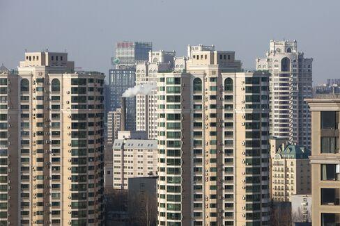 China's Stocks Drop on Monetary Policy Concern