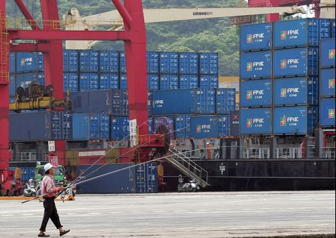 Taiwan GDP Grew Less Than Estimated Last Quarter as Exports Fell