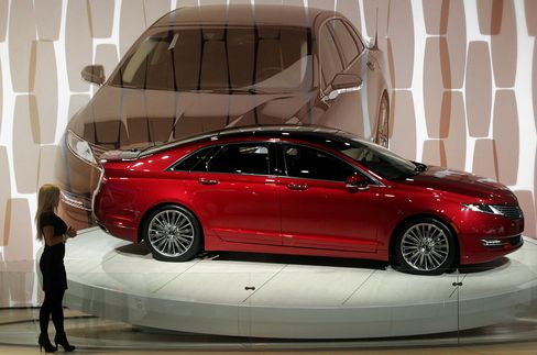 Ford Rolls Out First Lincoln