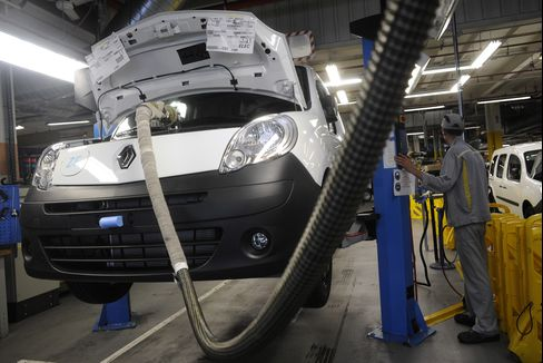European Manufacturing, Services Industries Contracted in April