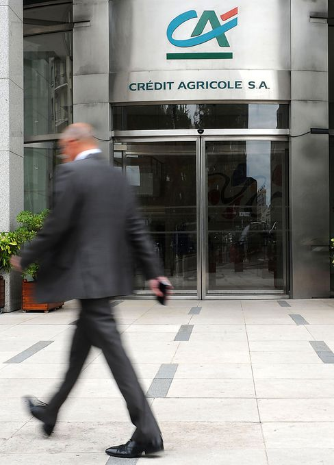 Credit Agricole Has Fourth-Quarter Loss on Intesa Writedown