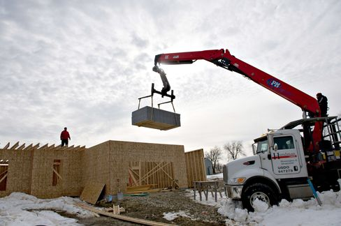 Builders in U.S. Probably Started Work on Fewer Homes