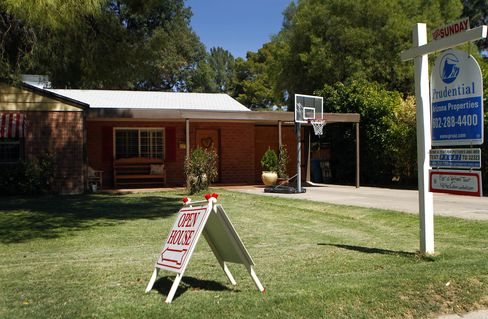 Pending Sales of U.S. Existing Homes Unexpectedly Decrease