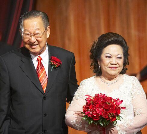 Hidden Indonesian Billionaire Lim Gains From IPO