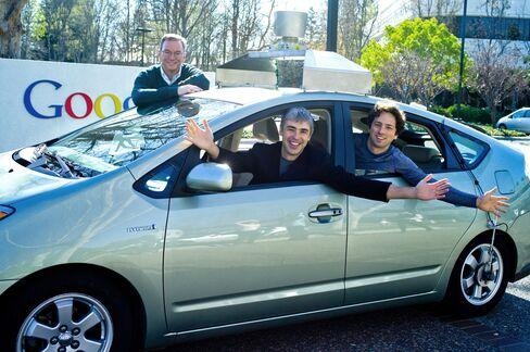 Google, Carmakers Discuss Robotic Autos With U.S. Regulators
