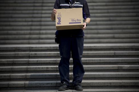 FedEx 2015 Profit Forecast Tops Estimates