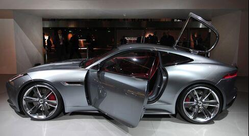 Jaguar F-Type Revisits Swinging '60s to Challenge Porsche