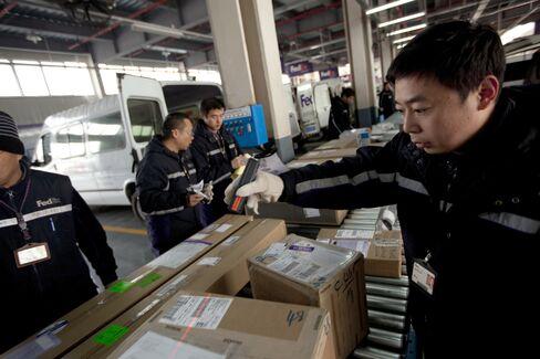 FedEx Takes on UPS With Long-Range China Jets