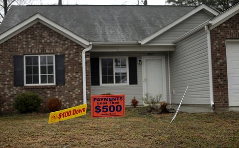 Home Prices Seen Dropping 10% in U.S. on Foreclosures