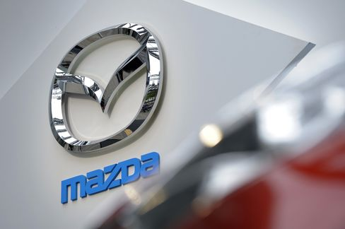 Mazda-Fuji Heavy Join Toyota in Lifting Profit Forecasts on Yen