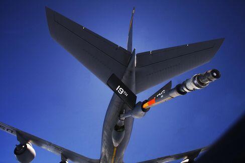 An Air Force refueling tanker