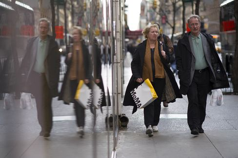 Dollar Remains Lower Before Bernanke Speaks Amid Stimulus Bets