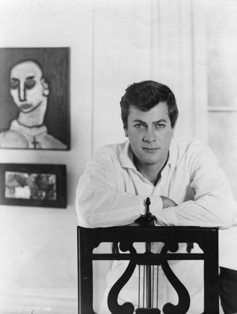 Actor Tony Curtis in 1952