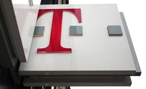 John Paulson Sees T-Mobile as Takeover Target for Dish, Sprint