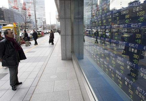Asian Stocks Climb on U.S. Data, Global Economic Stimulus Bets