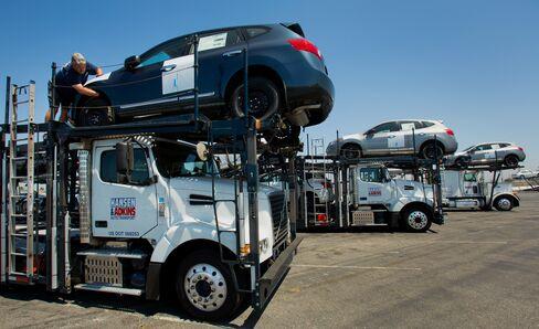 Nissan Profit Gains on Weaker Yen as Hyundai Motor Earnings Drop