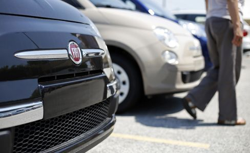 European Auto Sales Fall to Two-Decade Low on Unemployment