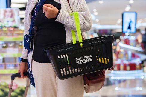 Airports Take Retail Hit on Sliding Ruble