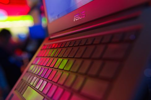 Asustek Acquiring Acer Seen Reality as Tablets Hit PCs