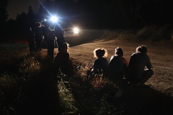 Nielsen Says Congress Must Act to End Migrant Family Separations