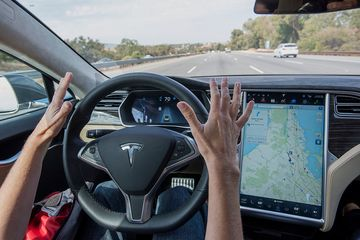bloomberg.com - Paul Tullis - Self-Driving Cars Might Kill Auto Insurance as We Know It