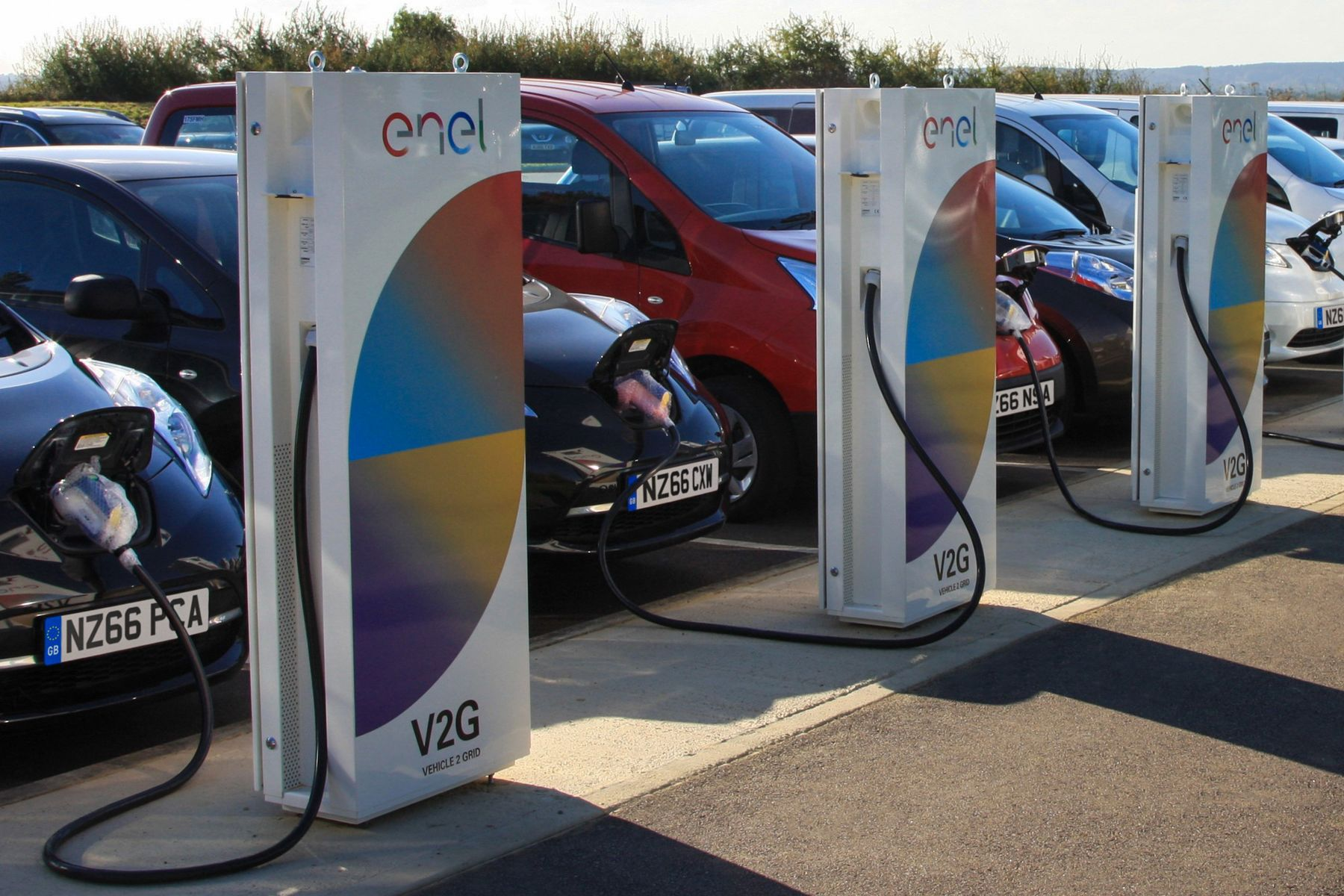 Parked Electric Cars Earn Feeding Power Grids In Europe