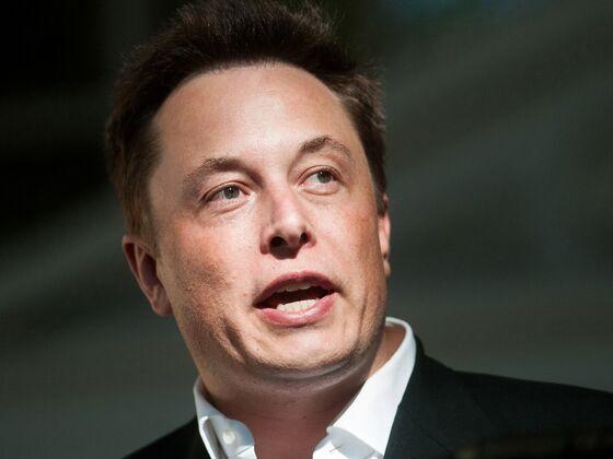 Elon Musk Defends Punishing Pace as Tesla Saga Enters Third Week