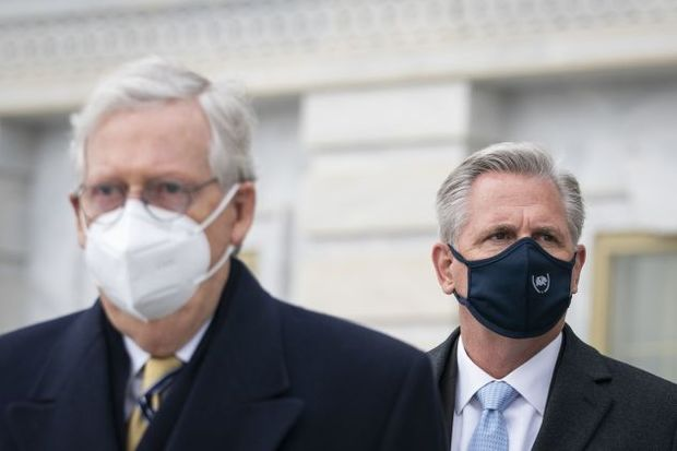 Senate Republican leader Mitch McConnell (Ky.) and House Minority Leader Kevin McCarthy (Calif.)