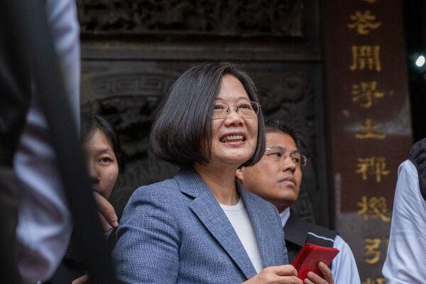 relates to 台湾の蔡総統、中国国家主席に共存促す-「一国二制度」受け入れず
