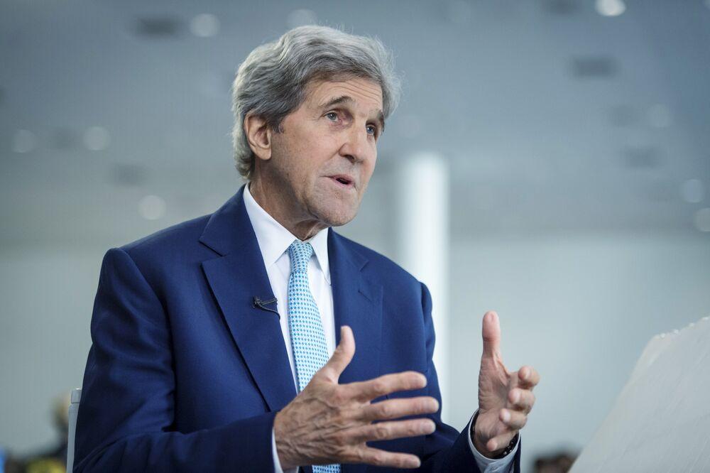 Biden Picks John Kerry, Paris Accord Author, as Climate Czar - Bloomberg