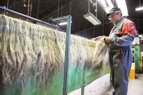 Flax processing line at Teillage du Plateau de Neubourg