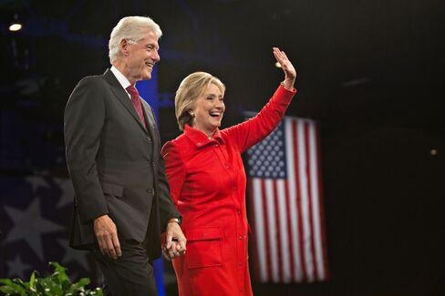Presidential Candidates Speak At Iowa Democratic Party Jefferson-Jackson Dinner