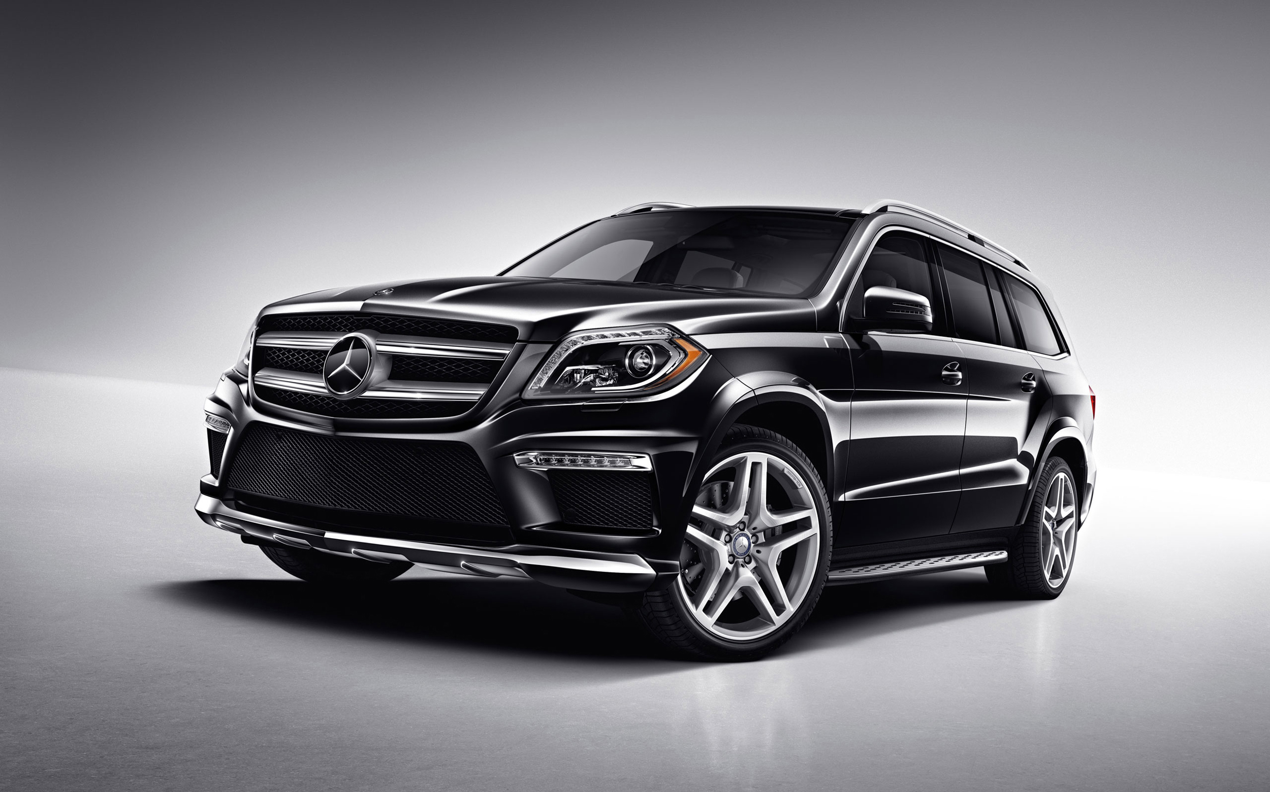 Related keywords suggestions for mercedes benz big for Biggest mercedes benz