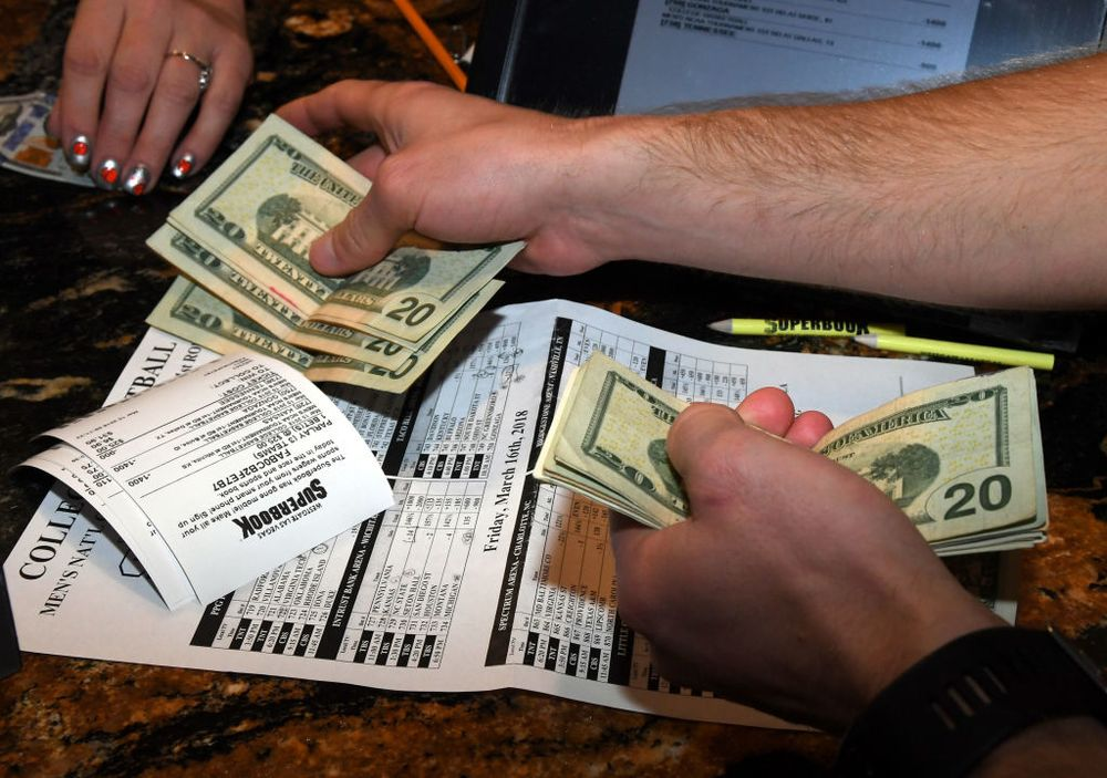 Sports Gambling Evolves: A Bookie Nears the End of the Line - Bloomberg