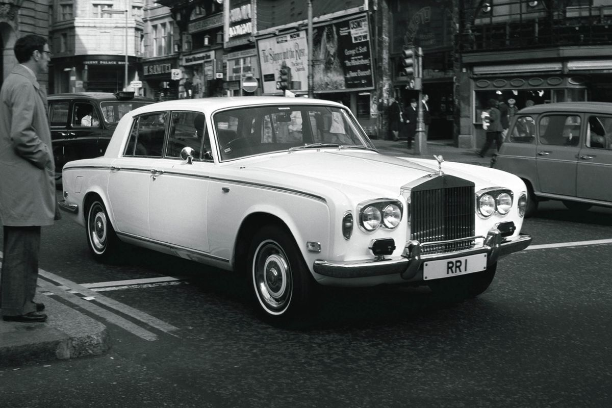 A Classic Rolls-Royce for $30,000? It Could Easily Be Yours ...
