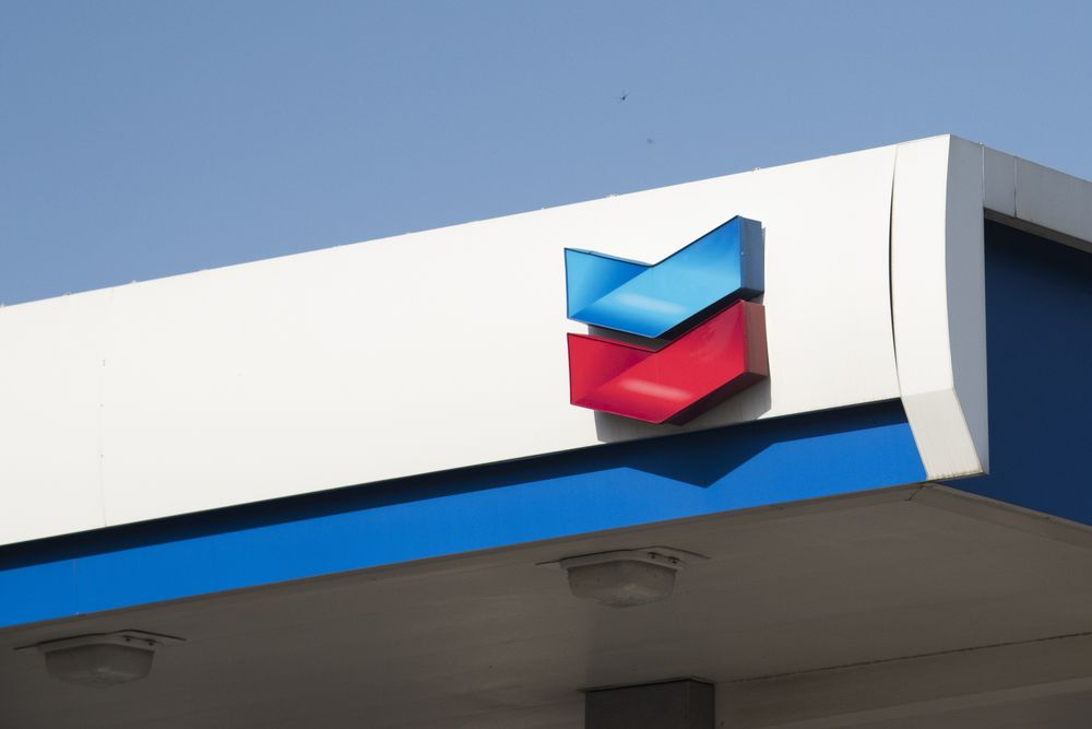 Oil Giant Chevron Offering Electric Car Charging at Stations