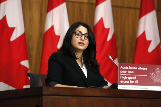 Canadian Business Calls for Urgent Measures to Help Women Workers