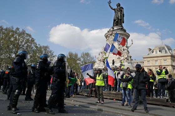 YellowVestProtests Continue in France Ahead of Macron Debate Results