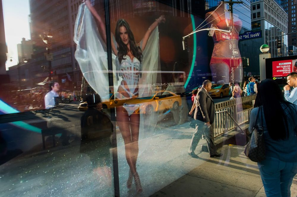 a80eac030de8d Wall Street Thinks Victoria's Secret Has a Panty Problem - Bloomberg