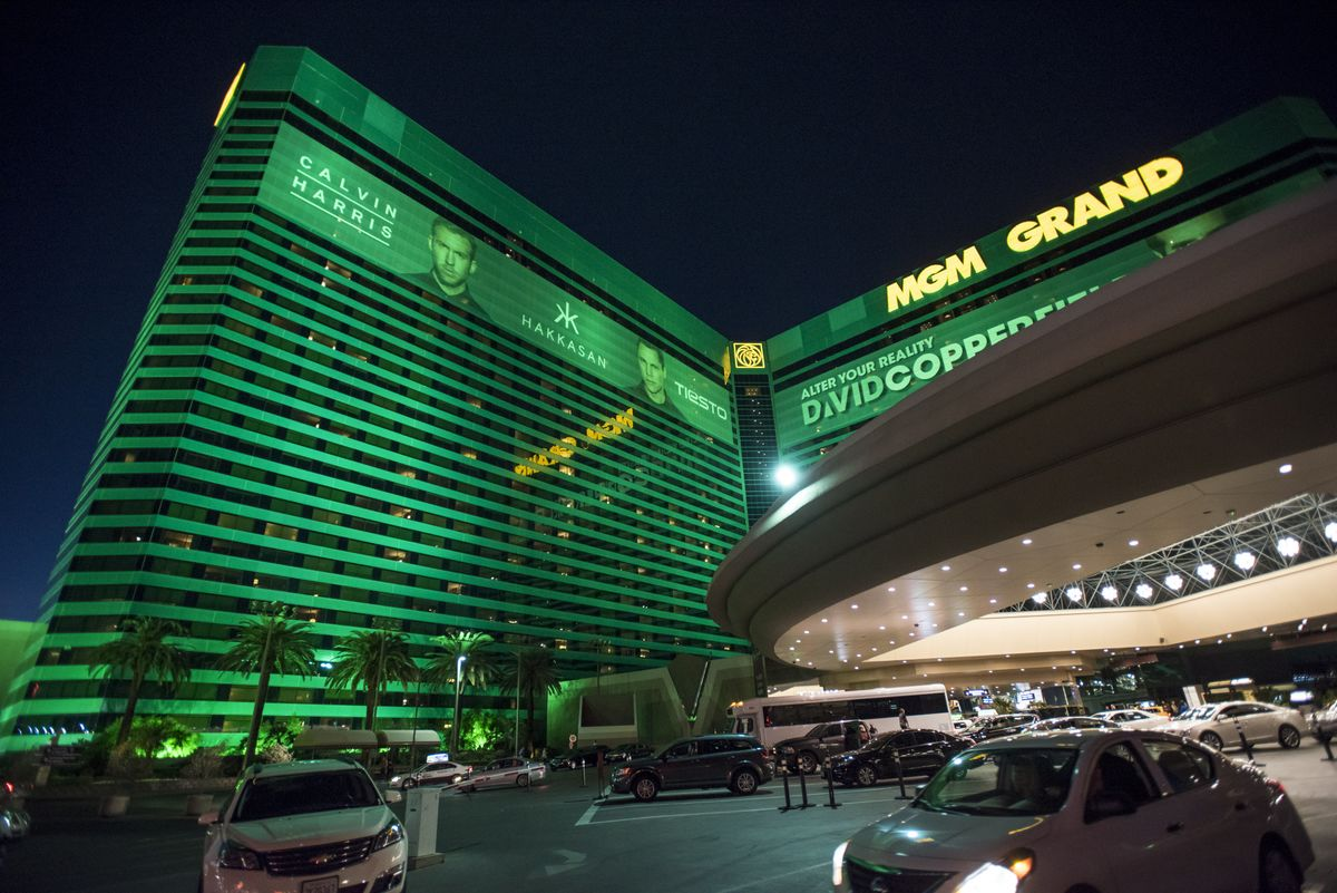 MGM Sets Year-End Target for Sale of MGM Grand in Las Vegas