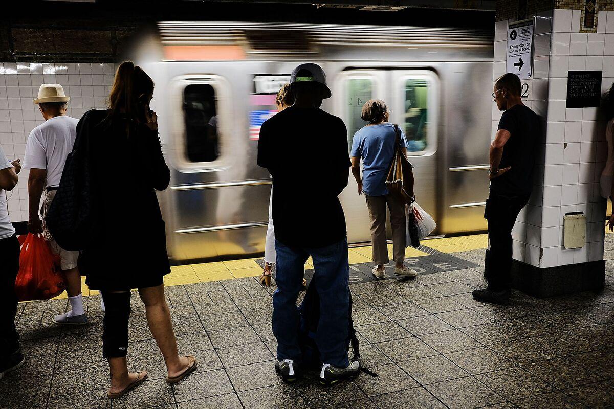 MTA Chairman Says NYC Subways Are Failing Customers, Pledges Fixes