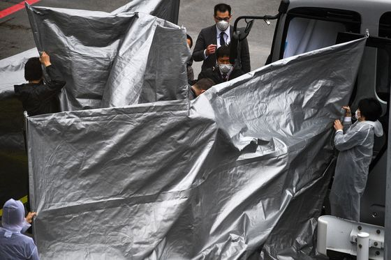 Japan Scores Rare Win With Extradition of Ghosn Accomplices