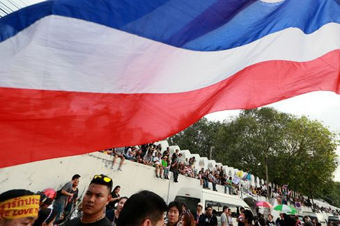 How Thai Business Tunes Out the Protest Routine