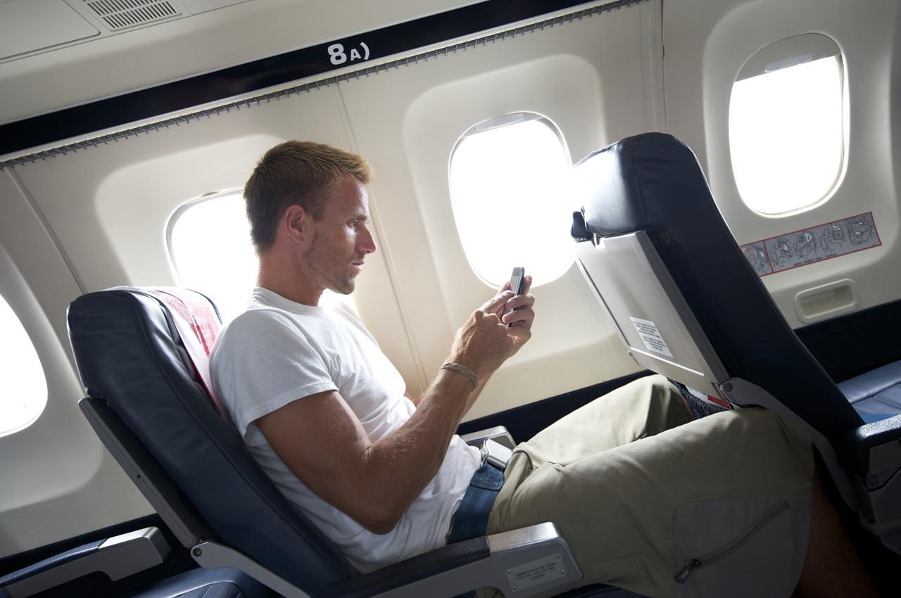 Resultado de imagen para cell phones on board airlines
