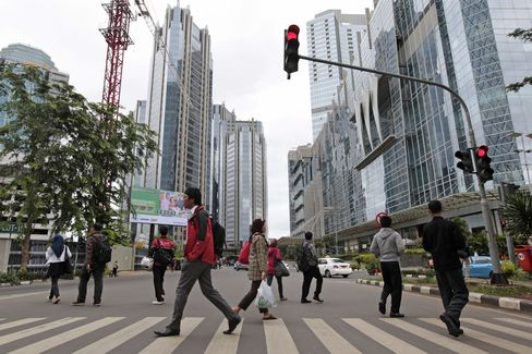 Fate of $10 Billion Bank Deals Turns on Indonesia's Danamon Call
