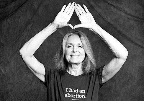 "Gloria Steinem Wearing ""I Had an Abortion"" Shirt Designed by Jennifer Baumgardner"