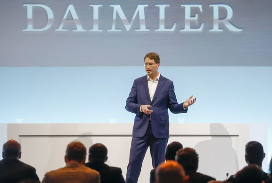 Daimler Sees Strong Recovery in Historic Truck Spinoff Year